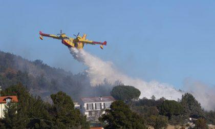 """Cervo-Andora: oltre 10 ettari in fumo per un incendio, danni anche a un """"nodo di rete"""" di """"Uno Communications"""""""