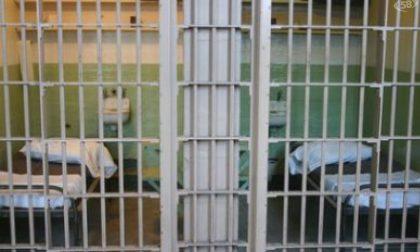 Detenuto si barrica in cella a Sanremo e dà fuoco al materasso