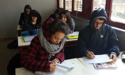 IN CLASSE CI SONO 13 GRADI: A CASA GLI STUDENTI DEL MARCO POLO DI VENTIMIGLIA