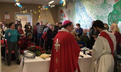 Il vescovo Suetta in visita al centro Il Gabbiano di Sanremo
