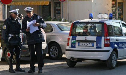 Investito da un'auto pirata in via Dei Colli a Bordighera mentre attraversa/ caccia al fuggitivo