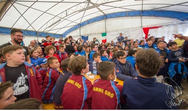 La grande festa del rugby oggi a imperia al campo pino for Piccoli piani di baite