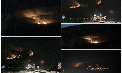 Le foto di un nostro lettore degli incendi che la scorsa notte hanno devastato l'entroterra