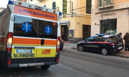 Lite tra anziani a Bordighera: carabinieri e 118 in una palazzina di corso Vittorio