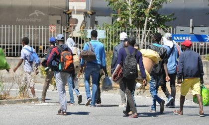 Cinquanta migranti trasferiti da Roma a Ventimiglia