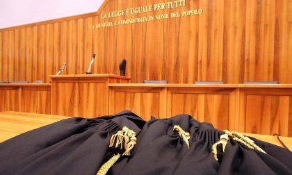 Palpeggia la colf, condannato a 2 anni per violenza sessuale
