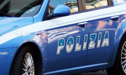 Polizia denuncia un tunisino con 3 grammi di droga e un coltello