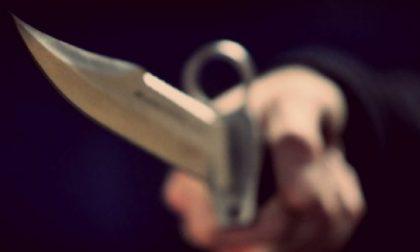Poliziotto ferito ad una mano con un coltello, è accaduto nel savonese