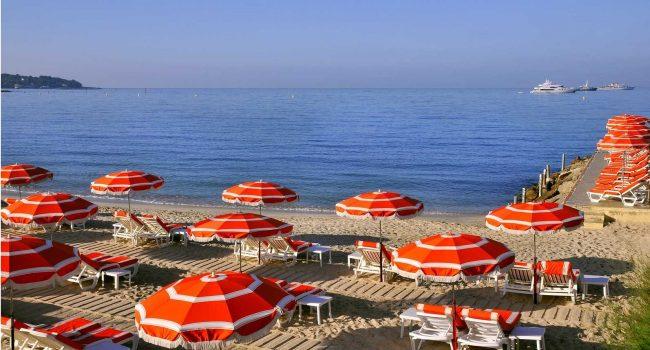 Prezzi Lettini Da Spiaggia.Sanremo Ombrelloni E Lettini A Peso D Oro E Il Prezzo Varia
