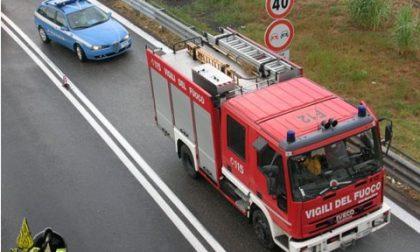 Si surriscaldano i freni di un'autocisterna che trasporta gas Gpl: principio di incendiosull'A10 a Ventimiglia