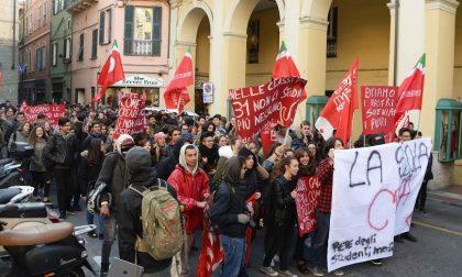 Oggi pomeriggio studenti in piazza ad Arma per protestare sull'edilizia scolastica