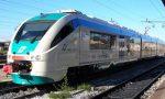 Travolto e ucciso dal treno: parte primo convoglio, ma circolazione ancora ferma