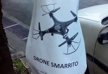 UN DRONE SMARRITO A IMPERIA. IL PROPRIETARIO CHIEDE AIUTO TAPPEZZANDO LE STRADE DI MANIFESTI