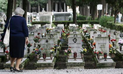 Rubate statue del Cristo crocifisso da altrettante tombe del cimitero di Sanremo