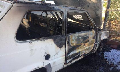 In fiamme auto di Rivieracqua. Il rogo questa mattina: illeso dipendente dell'azienda