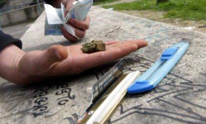 Pescatore con la droga nella fodera della giacca arrestato per spaccio