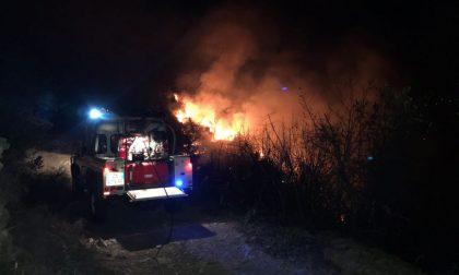 Incendio sopra Sanremo, forse vicino alle case