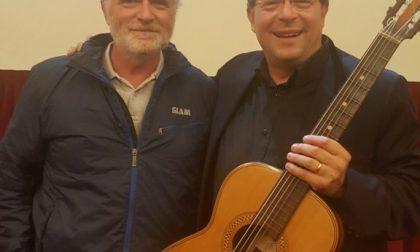 Il musicista Vitaliano Gallo suonerà la chitarra Carmelo Catania