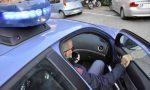 Blitz della polizia: sequestrati 70 grammi di cocaina, un arresto, forse anche armi