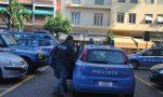 Arrestato passeur che trasportava 17 stranieri dentro un'auto: 14 erano clandestini