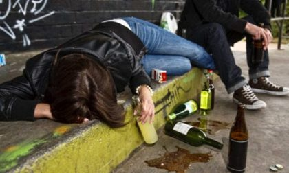 Troppi giovani ubriachi a Bordighera, scatta l'ordinanza del sindaco