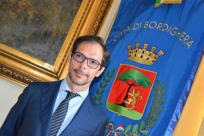Un'opera d'arte per accogliere i turisti a Bordighera