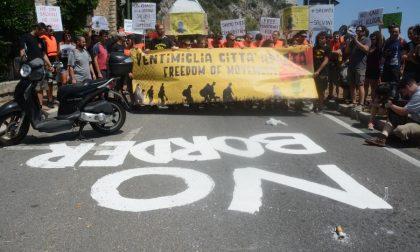 Manifestazione dei no border a Ventimiglia per la libera circolazione dei migranti in Europa