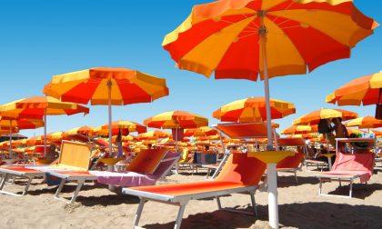 Estate 2021 verso la riduzione delle distanze tra ombrelloni