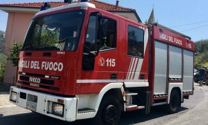 Brucia una casa a Castellaro, inquilino messo in salvo dai vicini