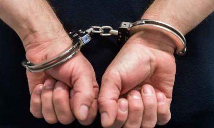 Scippato mentre parla al telefono, convalidato arresto