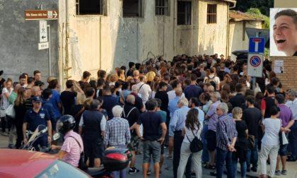 Oltre 500 persone ai funerali di Matteo Morselli