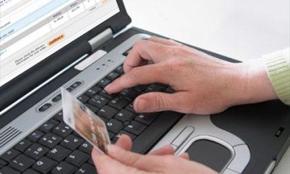La polizia denuncia due persone per una truffa su Ebay