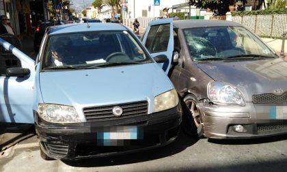 Incidente a Bordighera: investito mentre sale sull'auto