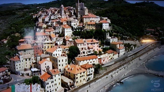 Il ponente ligure tra i luoghi della Magnifica Italia su Canale 5