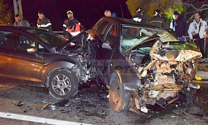 Brutale schianto sull'Aurelia: 3 feriti, auto scaraventata sul marciapiede