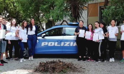"""La Polizia premia i vincitori provinciali del concorso Nazionale """"PretenDiamo Legalità"""