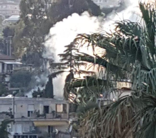 Sanremo: baracca e sterpaglie in fiamme al Solaro