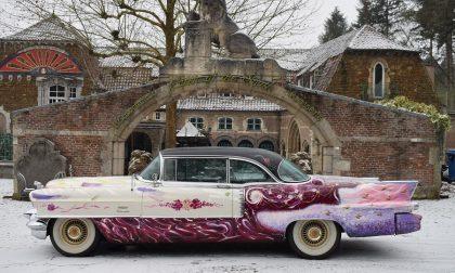 Dall'Illinois arriva a Seborga una Cadillac per gli auguri alla Regina Elisabetta