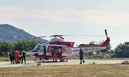 Neonato trasbordato d'urgenza al Gaslini in elicottero. Video