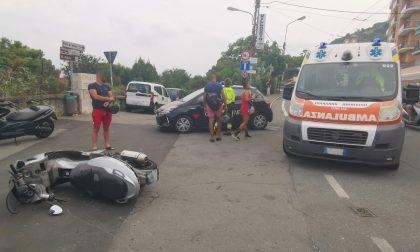 Sessantenne con lo scooter contro un'auto durante un sorpasso a Pian di Poma di Sanremo