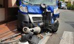 Bordighera: furgone abbatte palo della luce sul marciapiede e travolge 2 pedoni