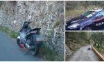 Ladri in fuga perdono refurtiva e abbandonano scooter