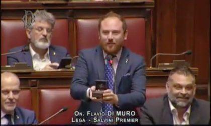 """""""Elisa mi sposi?"""": la proposta di matrimonio dell'on. Di Muro in diretta dal Parlamento"""