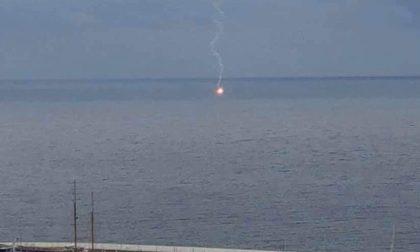 Giallo a Sanremo su un razzo di segnalazione in mare
