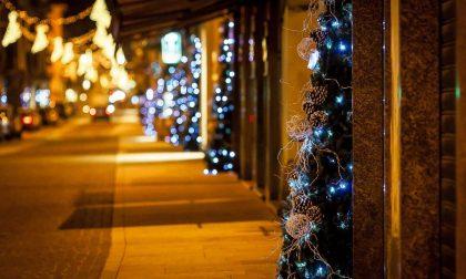 Le nuove regole per gli addobbi natalizi e festivalieri da parte dei commercianti