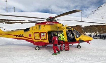 Intrappolati nella neve sul Gramondo, allertato l'elicottero per una donna ferita