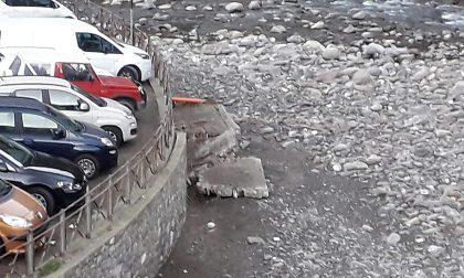 Dolceacqua: crolla parte del muro del parcheggio sul Nervia