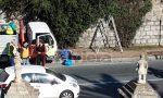 Il clochard blocca la potatura degli alberi a Ventimiglia