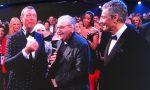 Standing ovation per Mollica, è il suo ultimo Festival come inviato. L'omaggio di Benigni e Vasco Rossi