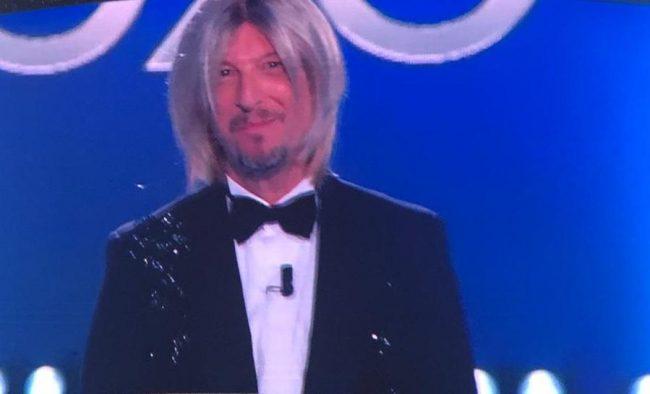 Sanremo 2020, Amadeus commosso si mette a piangere in conferenza stampa